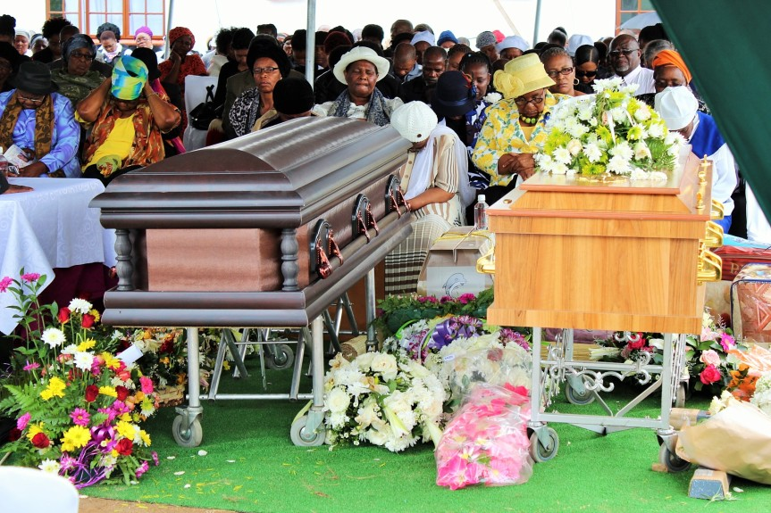 Mourners at Ms Sindiswa Nhlumayo and her aunt Nonsikelelo Nhlumayo who both died of cancer on the same a week ago and were laid to rest at their Emvutshini home in Port Shepstone, KwaZulu Natal on Saturday, 20 February 2016