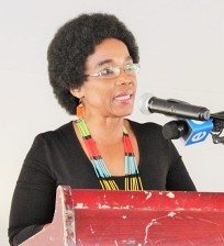 Department of Transport Deputy Minister, Ms Sindisiwe Chikunga address the cmmunity of Enkovukeni at Umhlabuyalinga on the KwaZulu-Natal north coast on Friday
