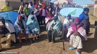 Some 15 of hundreds of elderly people and small children across South Africa who this year received a gift of a warm winter blanket each from the South African Maritime Safety Authority (SAMSA) as part of its corporate social investment linked to celebrations of the Nelson Mandela Day worldwide.